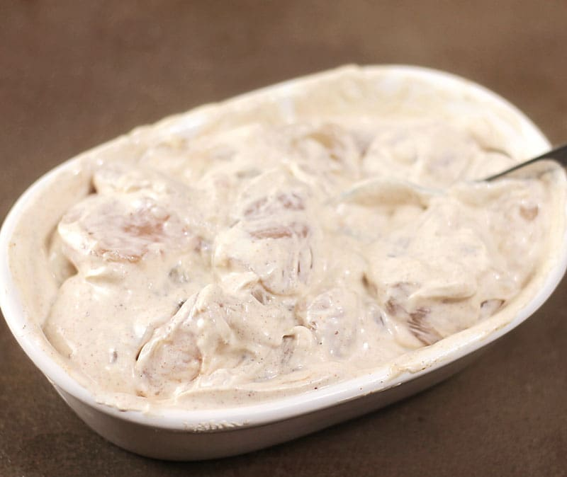 Chicken in a yogurt marinade with Paprika and lemon