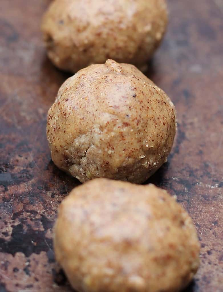 almond-pecan-bites