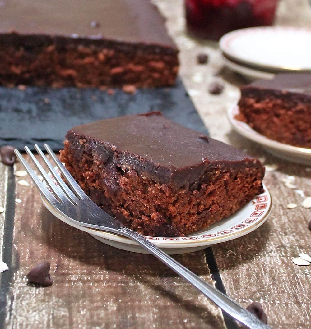 Beet Chocolate Oatmeal-Cake