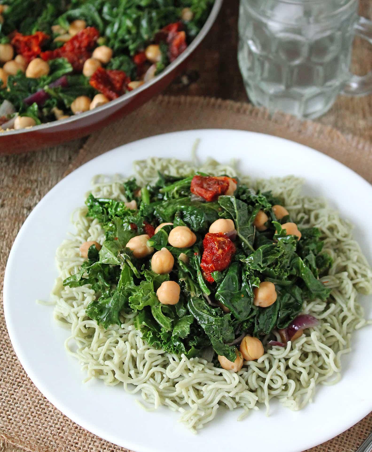 Kale-Sundried-Tomato-Chickpea-Salad-#HeatAndEat