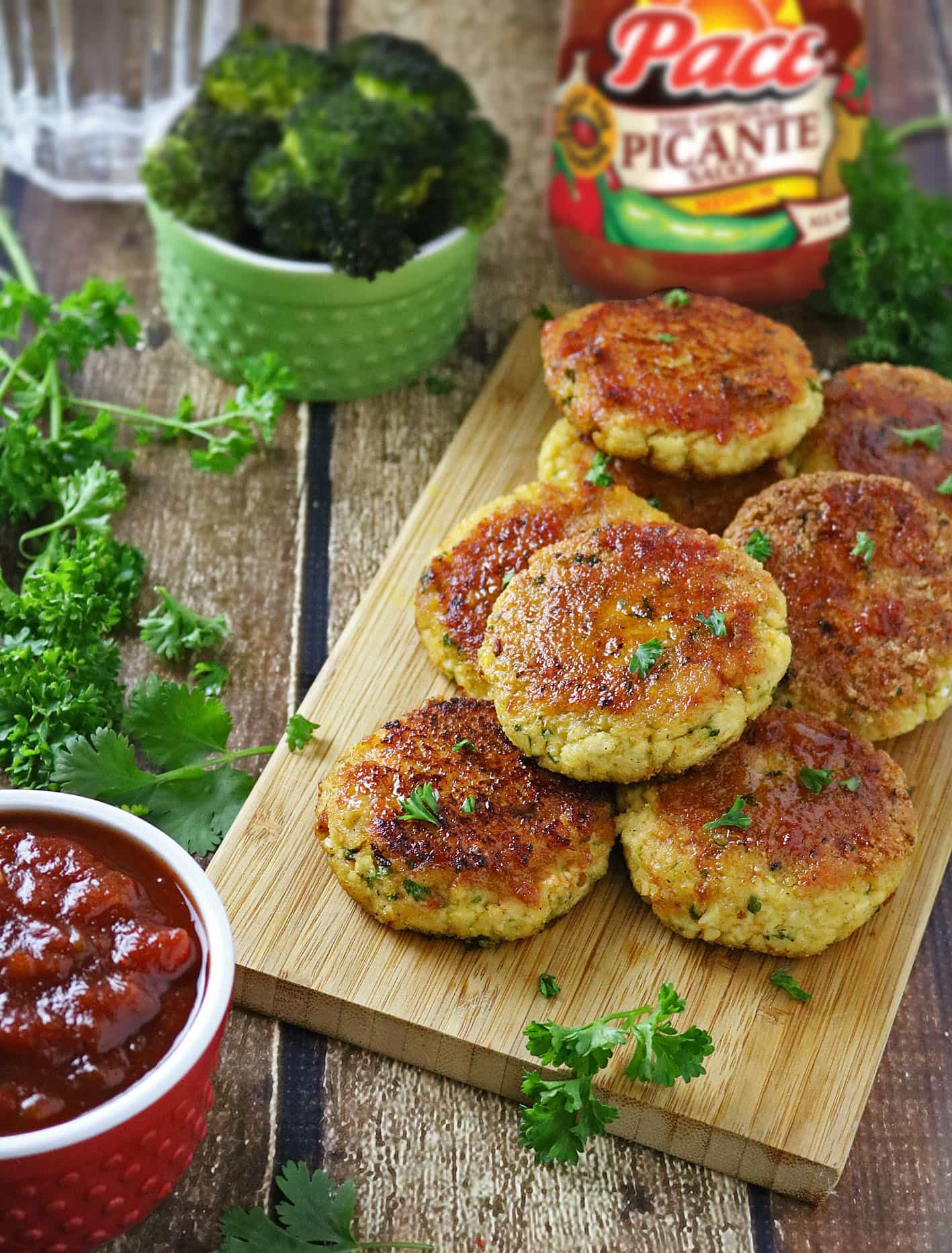 Tofu Burgers with Strawberry Picante Sauce #KickUpTheFlavor