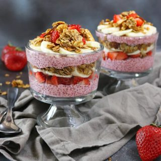 Strawberry & Banana Chia Pudding Parfait with Granola #SnackBrighter