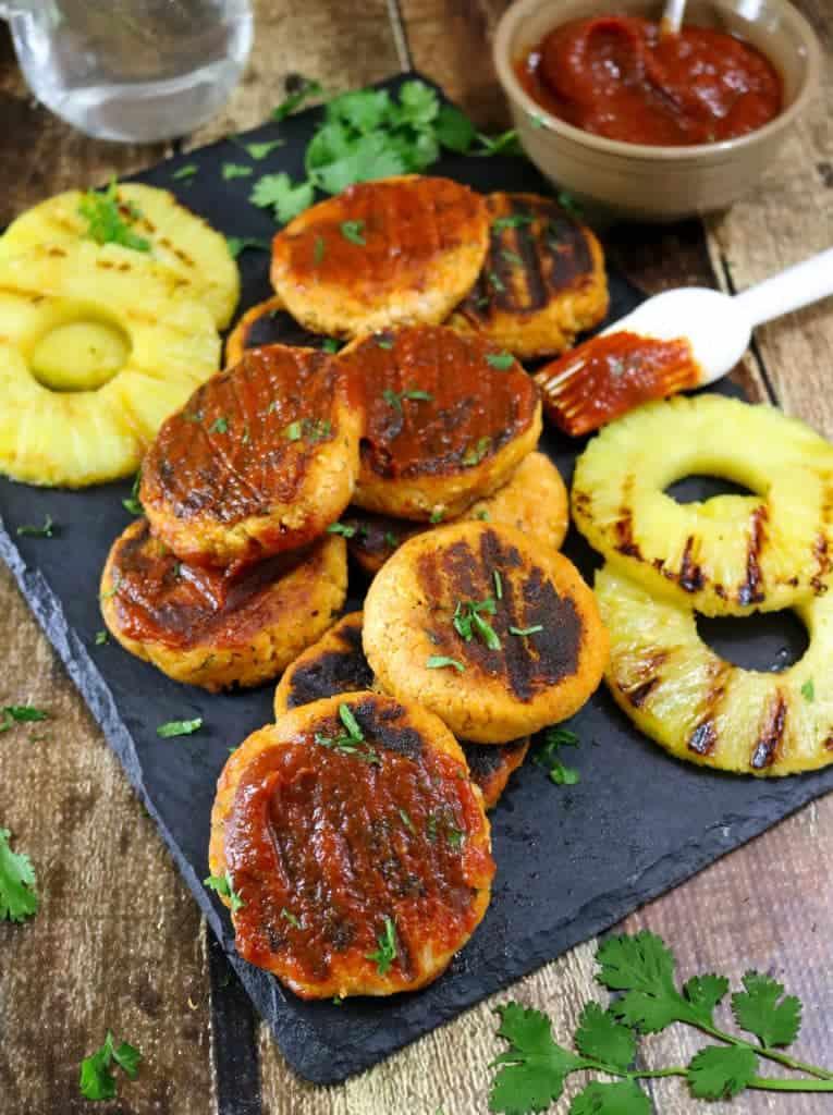 Tofu Burgers With Pineapple BBQ Sauce #VIVACleansLikeCloth #ad