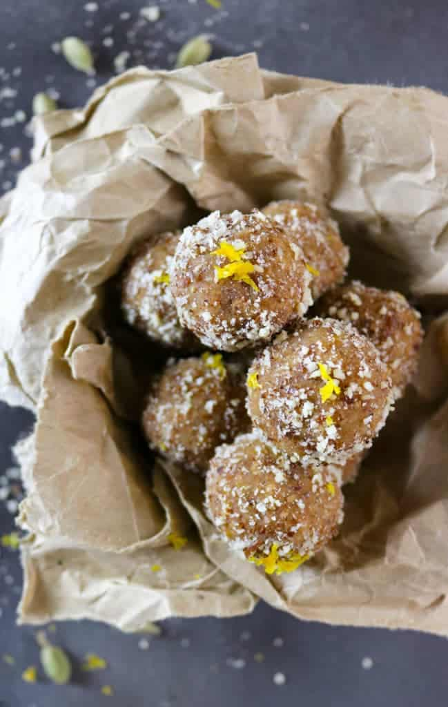These Orange Cardamom Bites are gluten-free, dairy-free, and refined sugar-free are a wonderful no-bake. energizing snack - Recipe at RunninSrilankan.com