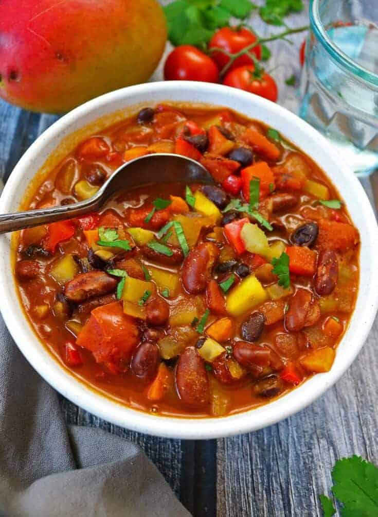 Easy Hearty Vegetarian Mango Chili