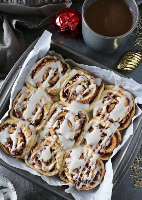 Easy Cardamom Cinnamon Rolls With International Delight® Coffee Creamer