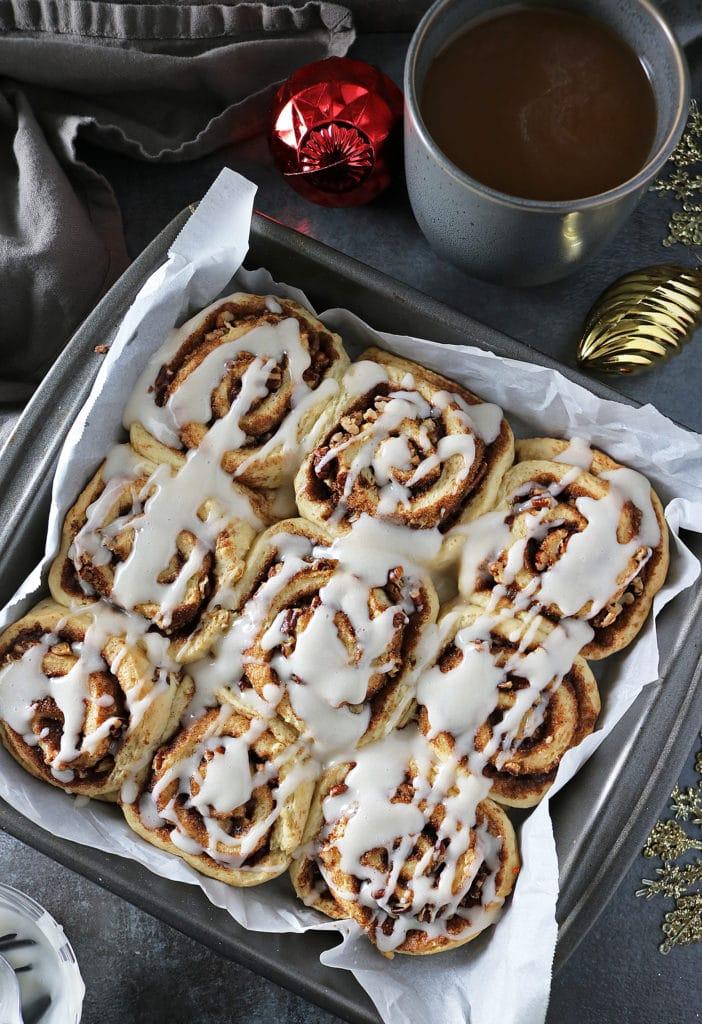 Easy Cinnamon Cardamom Rolls With International Delight® Coffee Creamer