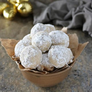 Vegan Snowball Cookies With Cardamom Cinnamon #IncredibleBulkBinTreatExchange