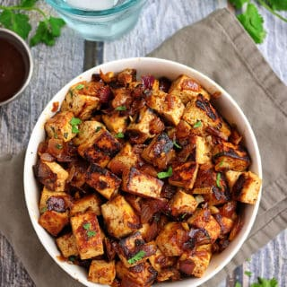 Quick Easy Honey BBQ Tofu Bowls with Rice and Peppers