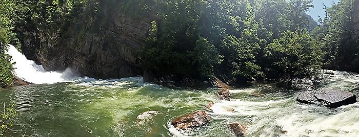 Tallulah Gorge Waterfall crashing around rocks