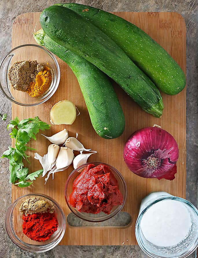 Photo Ingredients To Make Zucchini Curry