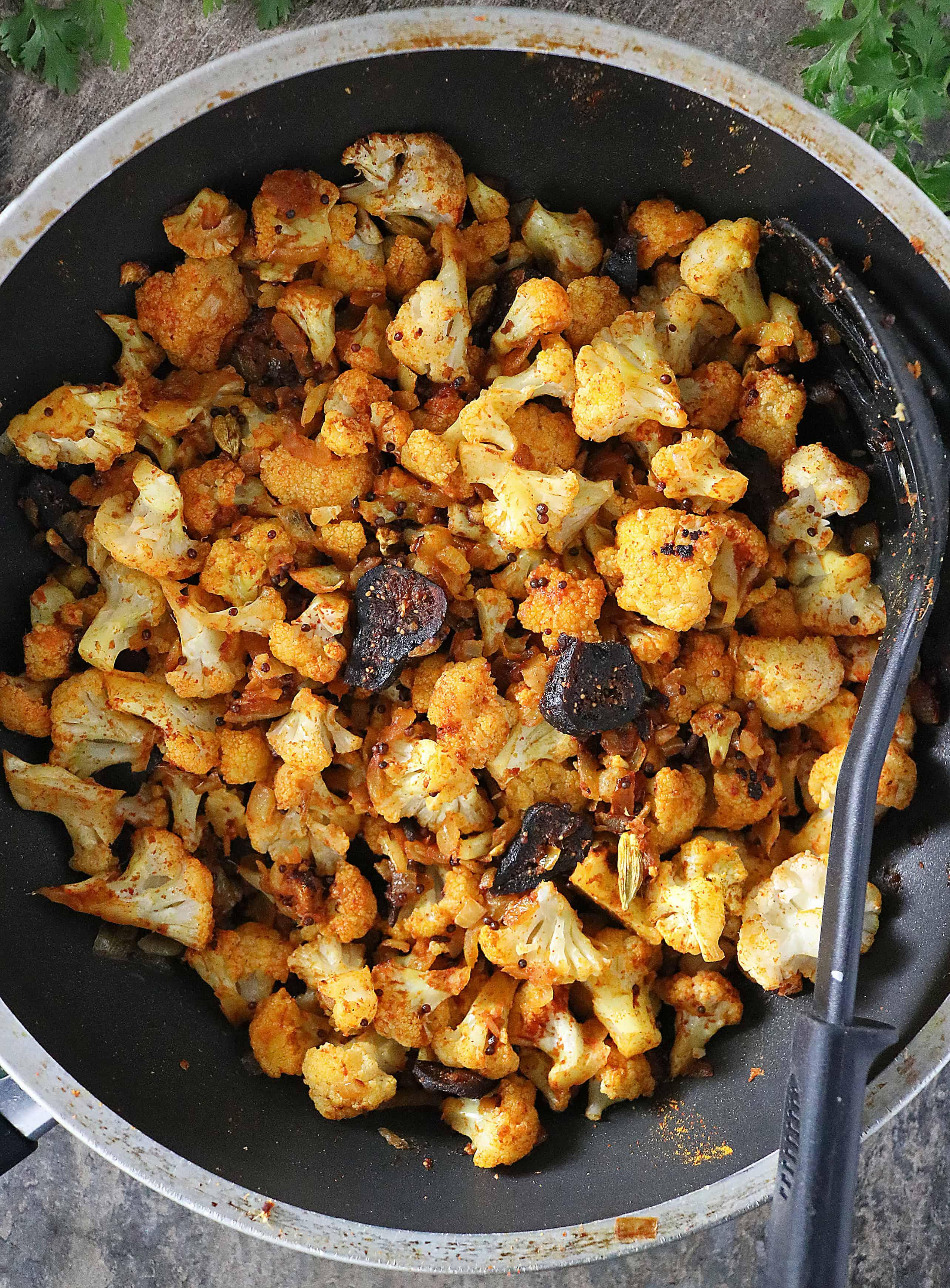 Photo Making Spicy Cauliflower Figs