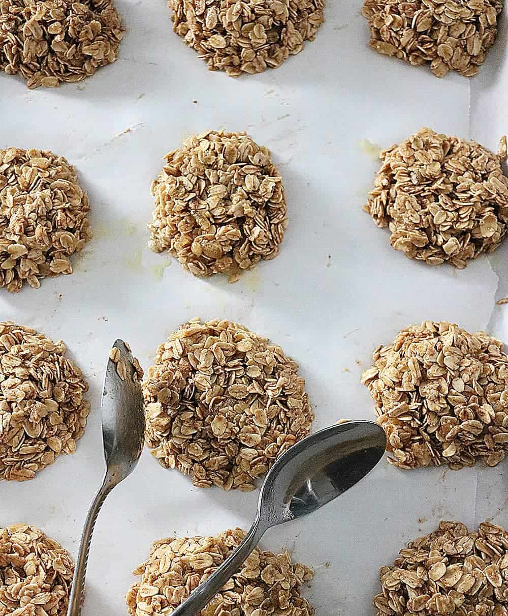 Ginger Granola Breakfast Cookies are a wonderful way to start the day. Oats, ginger, and plenty of cozy spices make 'em awesome.