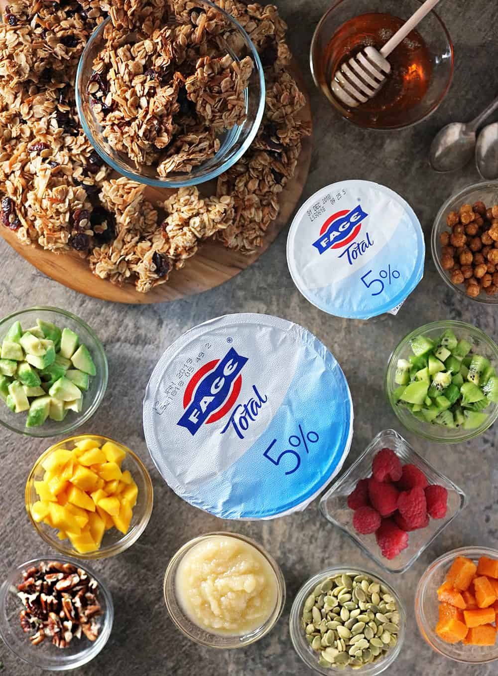 Photo Delicious FAGE Breakfast Bowls