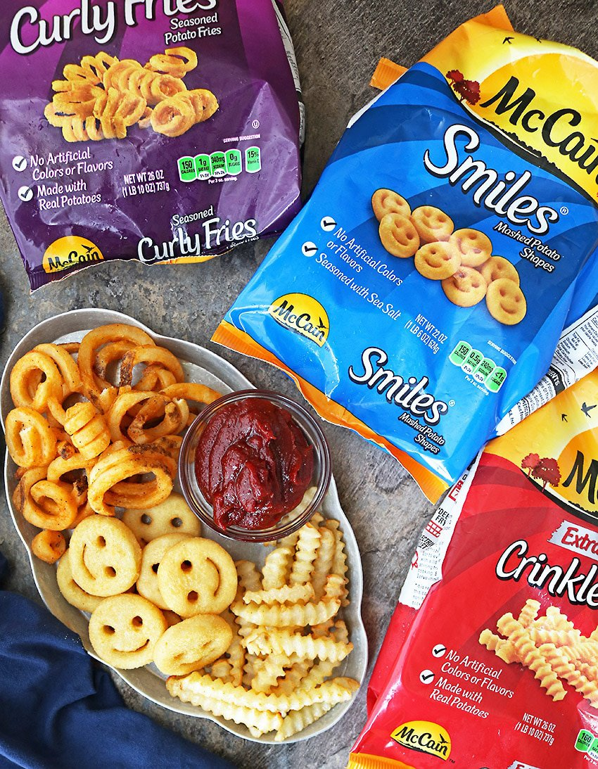 Delicious McCain Fries Spicy Sauce Snacking Platter