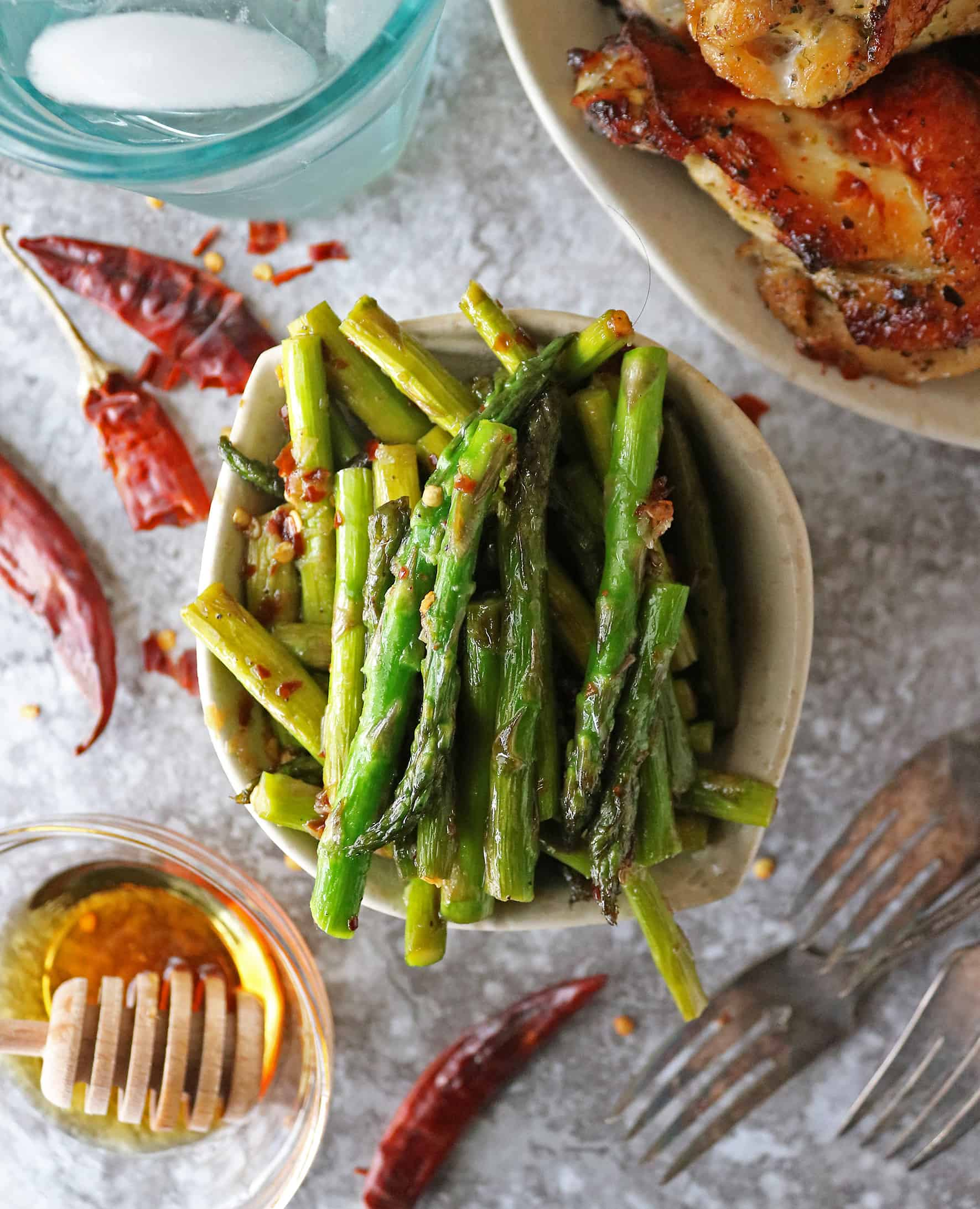 Easy Garlic asparagus with Maple And Chili