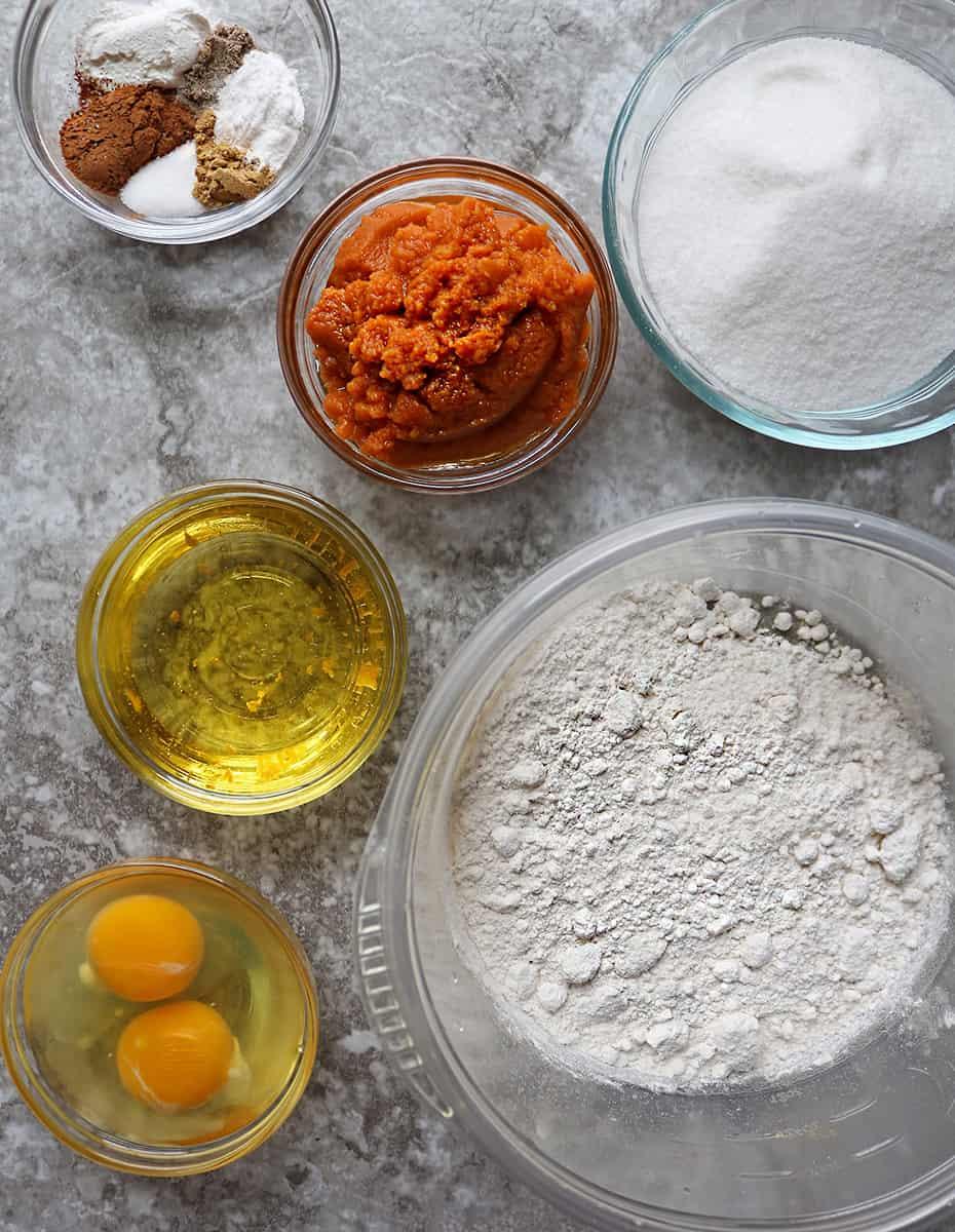 Ingredients to make gluten free pumpkin spice cake