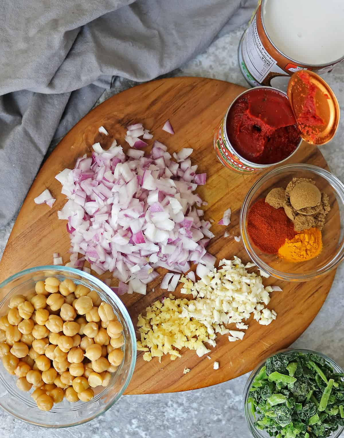 All the Ingredients to make chickpea spinach curry