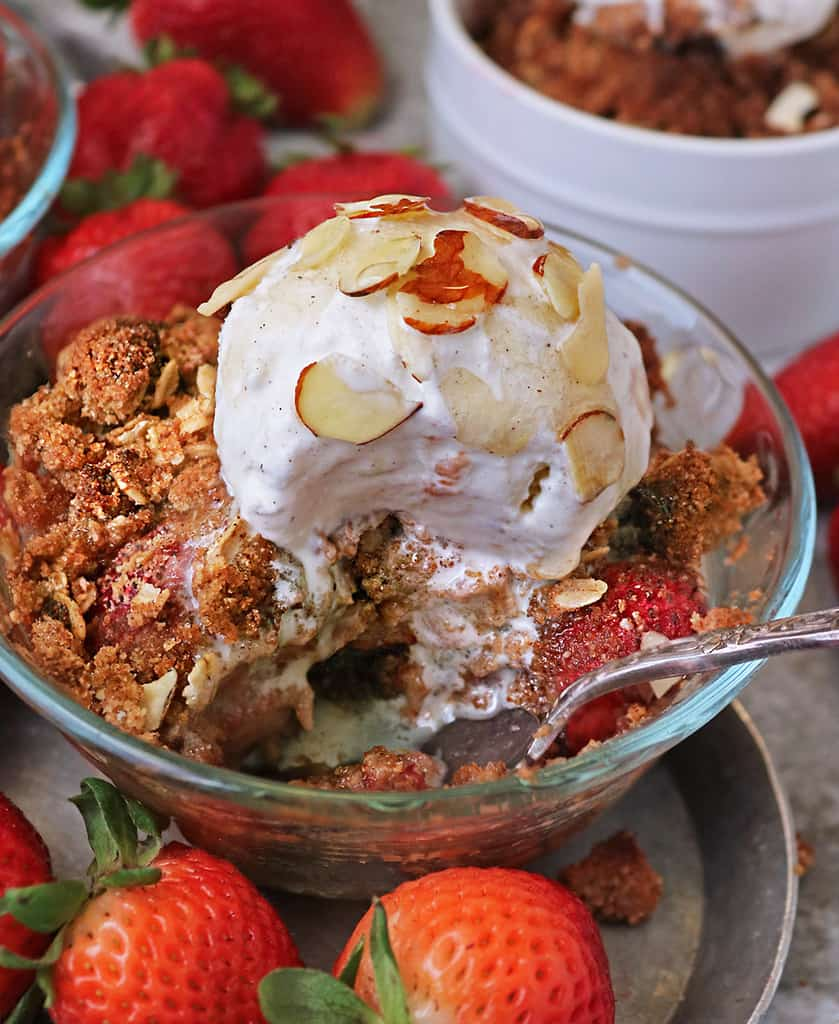Tasty gluten free fresh strawberry crisp with coconut flour
