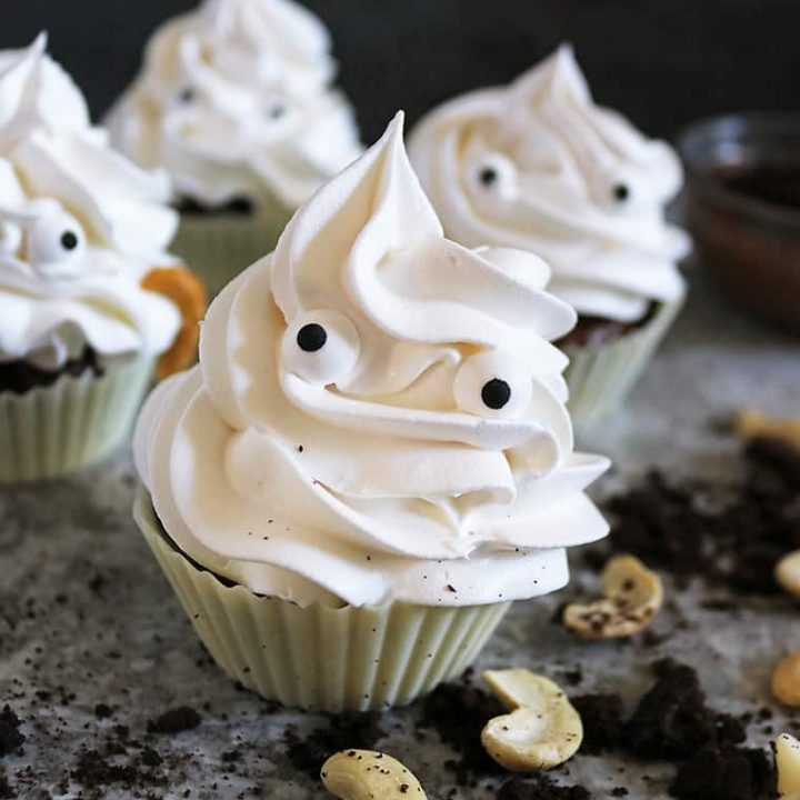 easy chocolate Halloween ghost cups