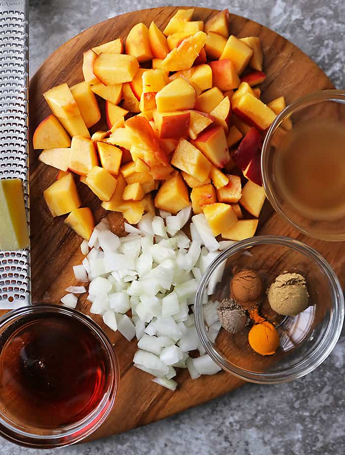 10 Ingredients to make an easy peach chutney