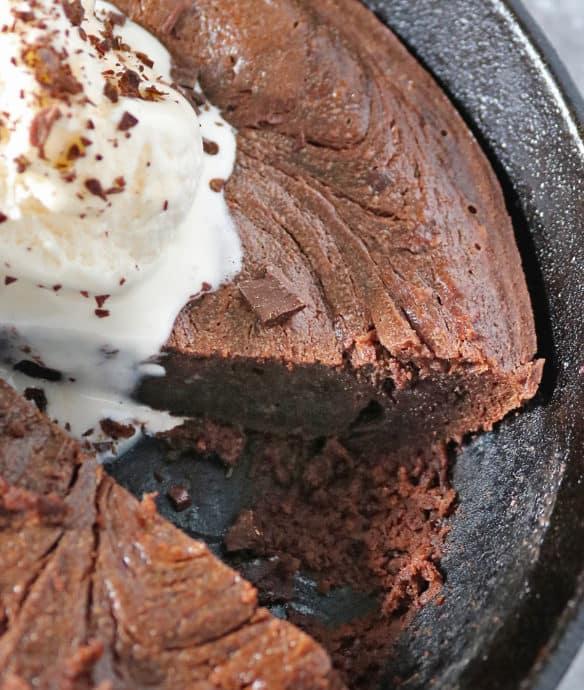 dump mix and bake skillet cake